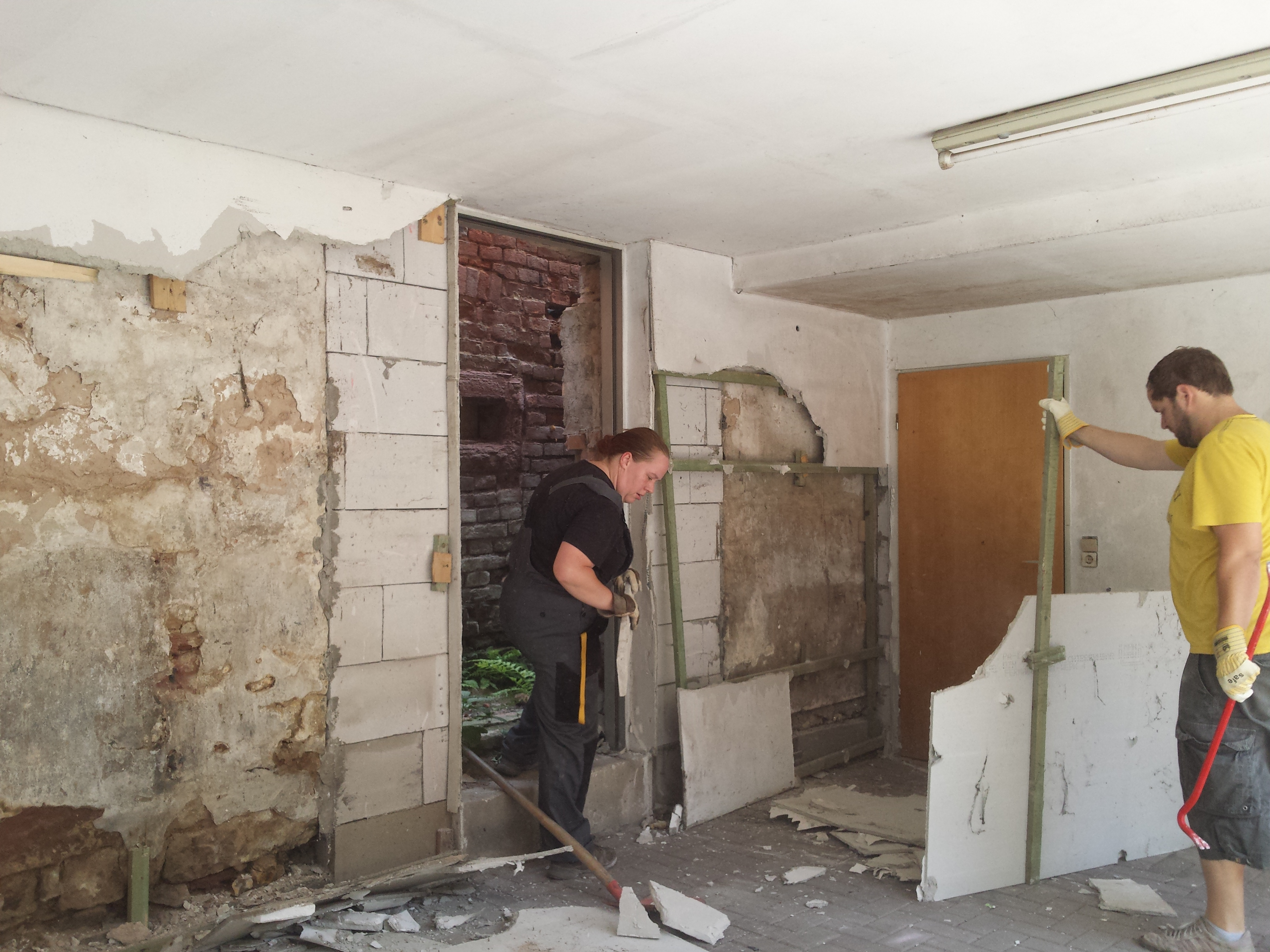 Wandverkleidung Garage : Plattenbau garage ausse hui unne pfui u hof isem